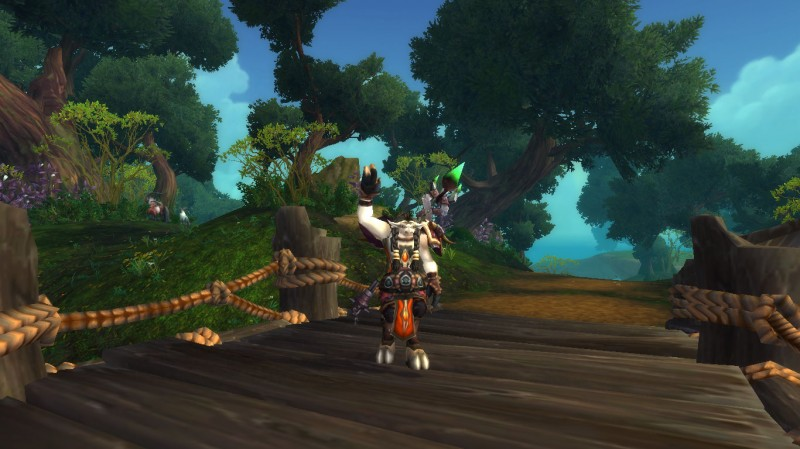 World of Warcraft tauren druid waving - WoW addict