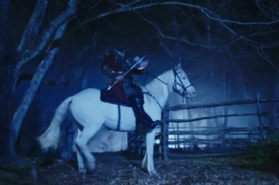 Sleepy Hollow pilot — headless redcoat on a white horse